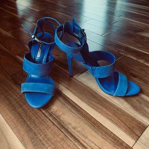BCBG Circus heeled sandal - size 6